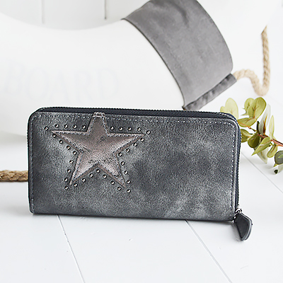Grey star purse for New England Lifestyle from The White Lighthouse