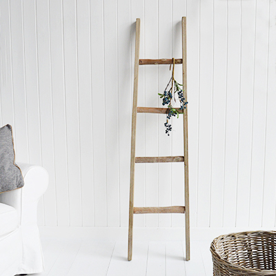 Blanket ladder to decorate or display blankets